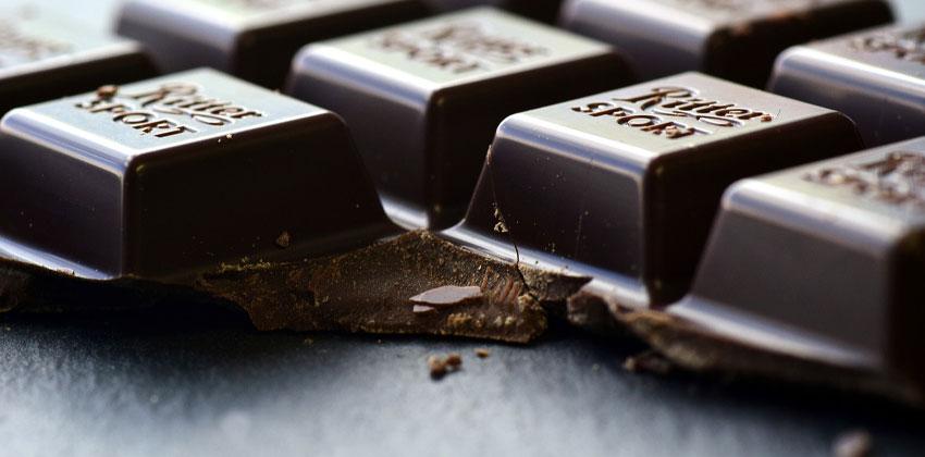 شکلات تلخ به جای شیرینی جات بخورید