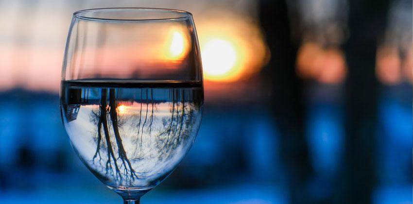 آب میل به غذا را کم می کند