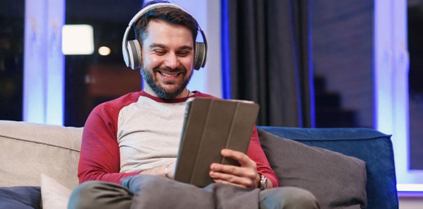 با گوش دادن به موسیقی دوپامین را بالا ببرید