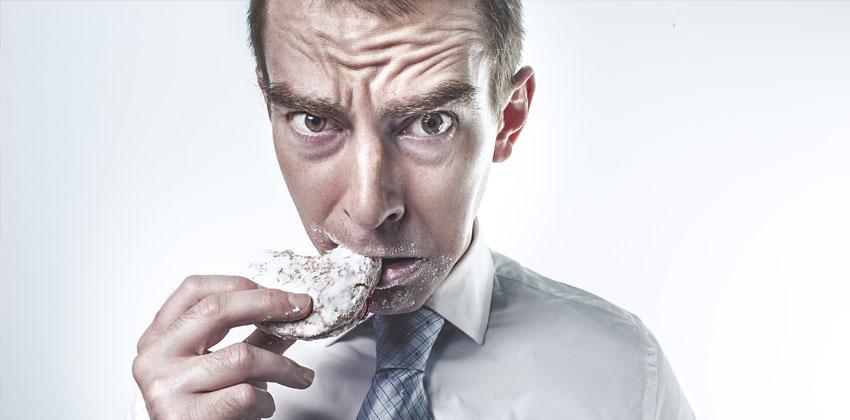 پر خوری کردن دلیل کم نکردن وزن